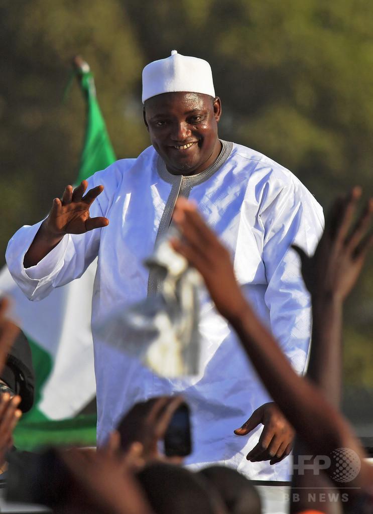 魔術の噂も…ガンビア新大統領の息子襲って死なせた犬、安楽死に