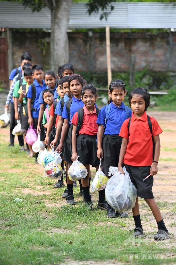 授業料は「プラごみ」で、インドの学校が画期的取り組み