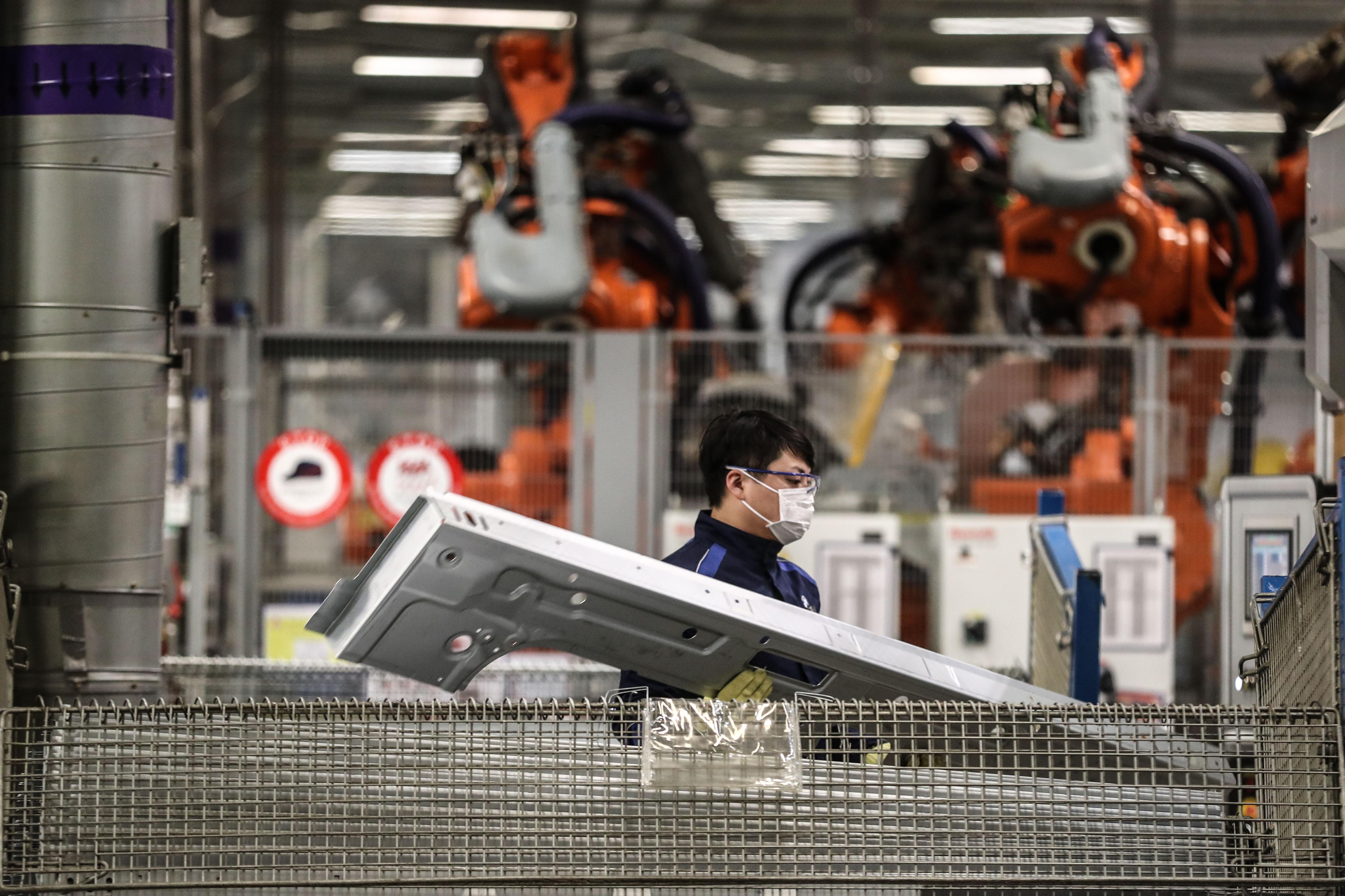 中国のBMW世界最大の生産拠点が操業再開 中国・瀋陽市