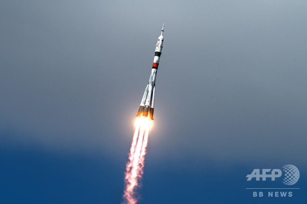 米ロ飛行士が宇宙へ出発 新型ウイルス影響で隔離延長、見送りなく