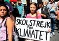 世界の子どもたちが学校スト、気候変動対策求め トゥンベリさんも参加