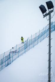 日本人を救助した中国人スキー客、山中で迷い一晩過ごす 木のくぼみに退避