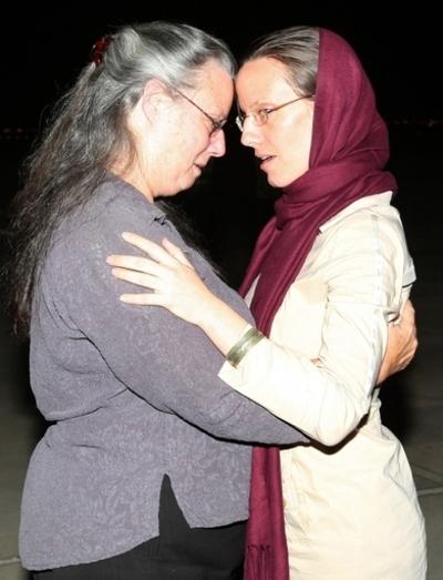 イラン、米国人女性を解放 残り2人は依然拘束
