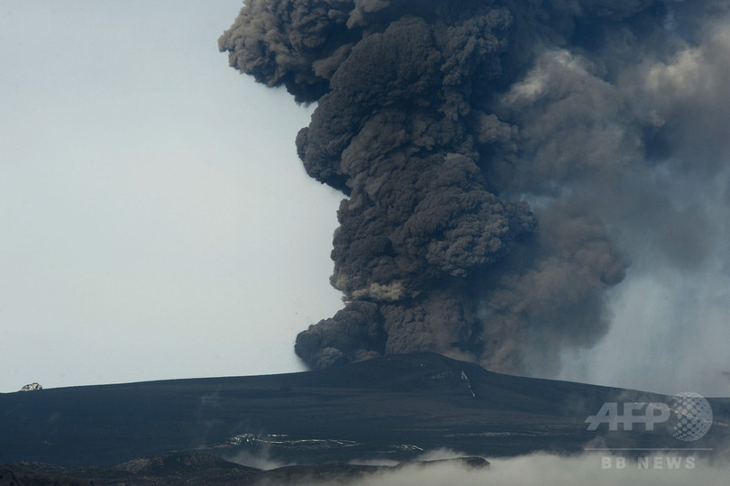 火山噴火を警戒、住民の避難開始 アイスランド