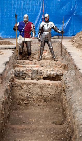イングランドの駐車場で人骨を発掘、リチャード3世の可能性