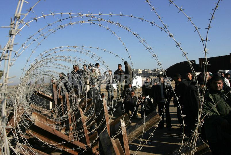エジプト軍とハマス、ガザの境界壁を閉鎖