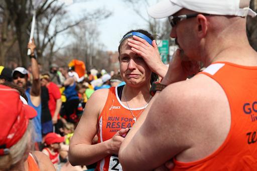ボストン・マラソンで複数の爆発、3人死亡 100人超負傷