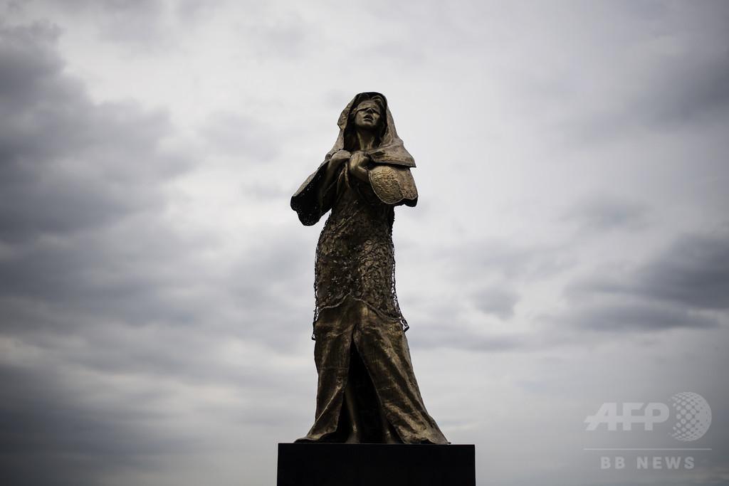 フィリピン・マニラの慰安婦像撤去される、支持団体が抗議