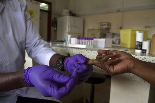 エイズ関連の昨年の死者数、2010年比で3割減 国連報告