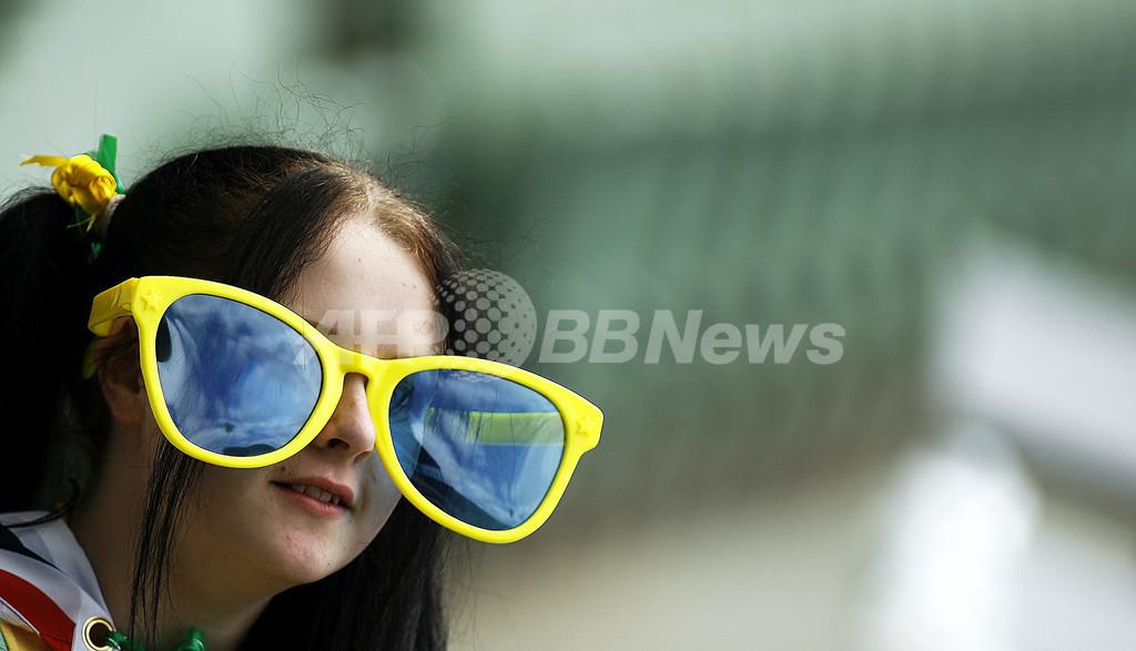 オーストラリアの公立小学校でサングラス着用を義務化