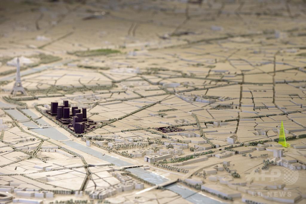パリ市、三角形の高層ビル建設計画を否決