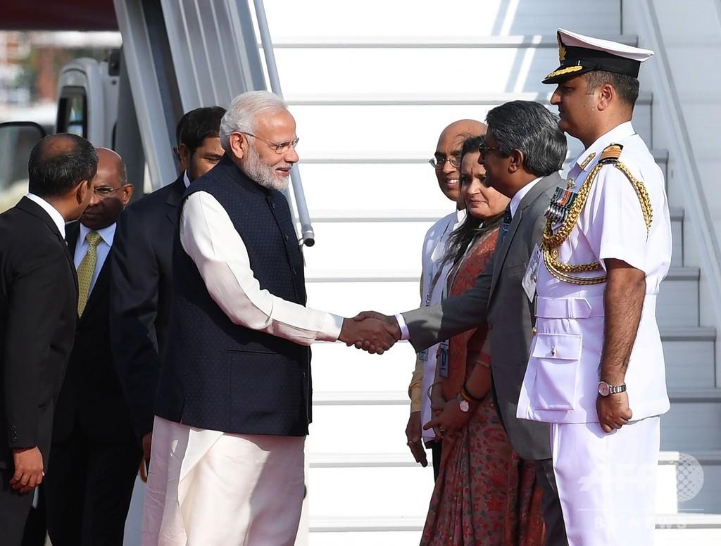 モルディブ新大統領が就任 経済危機でインドに支援要請