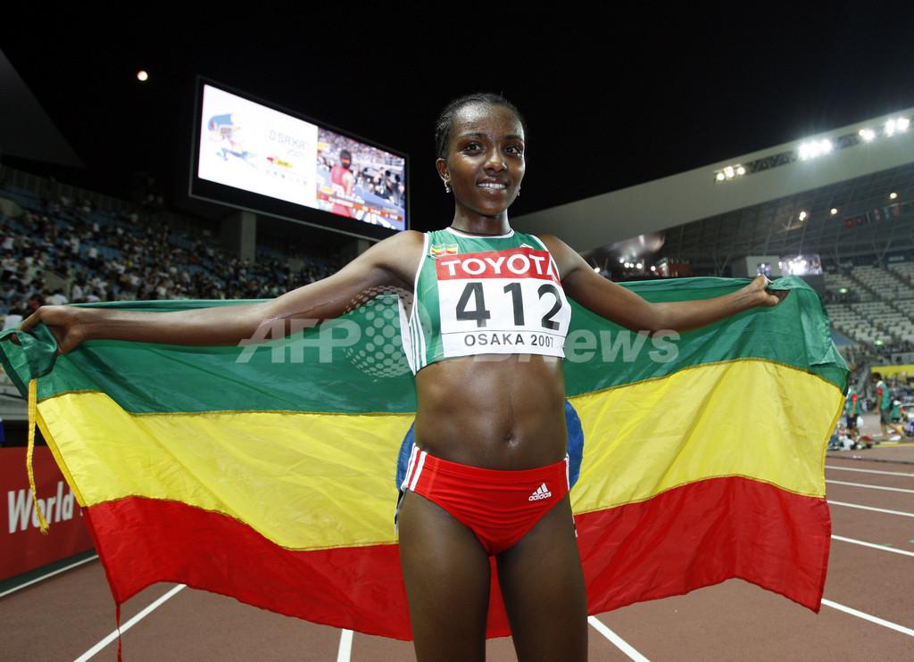 ティルネシュ・ディババ 女子10000メートルを制す