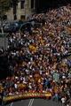 スペイン・カタルーニャで大規模な独立反対デモ、35万人集結