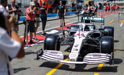 メルセデス、モータースポーツ125周年特別仕様のマシンを披露