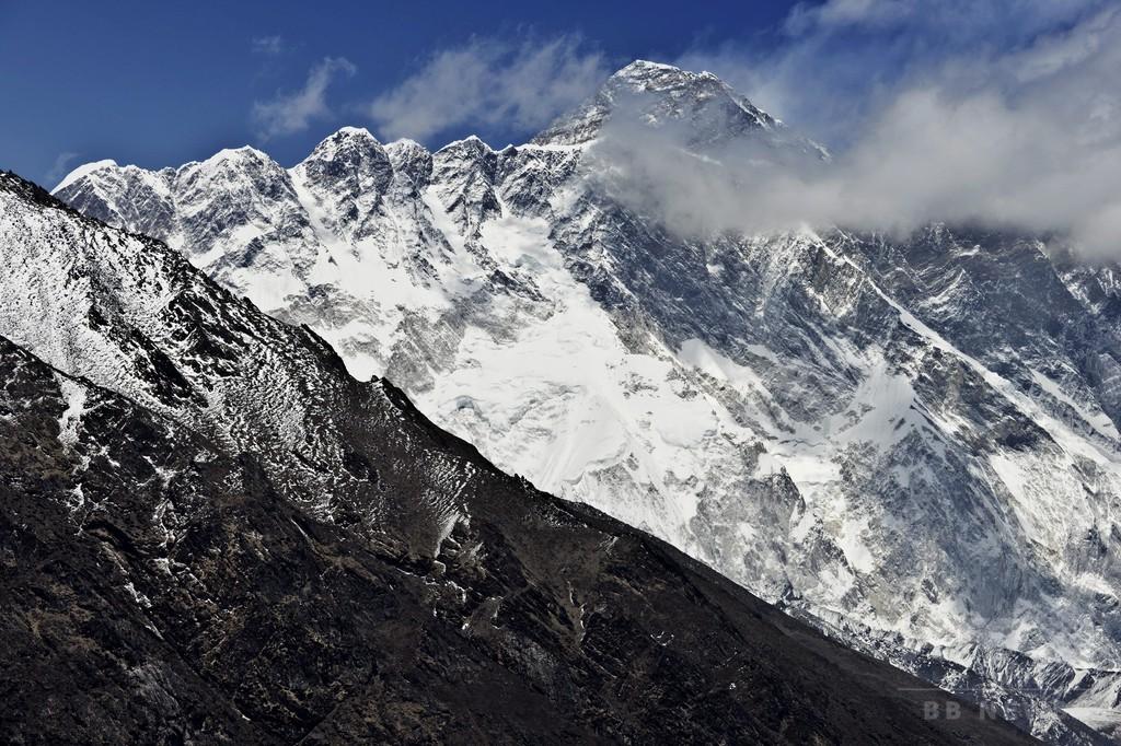 エベレストで新たに登山者4人死亡、今季の死者10人に