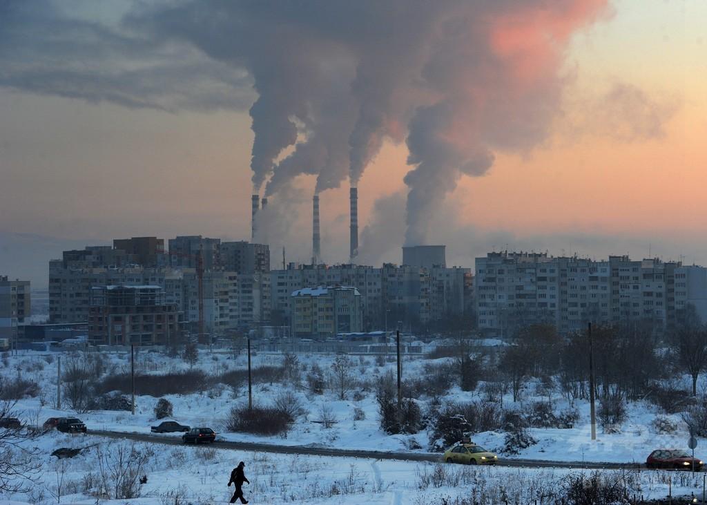 オゾン層破壊する「極短寿命ガス」脅威に警鐘、英研究