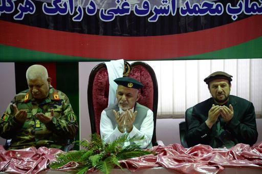 アフガン国防相と陸軍参謀長が辞任、100人超死傷のタリバン襲撃受け