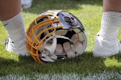 米NFL選手、頭部負傷の研究団体に脳を寄付