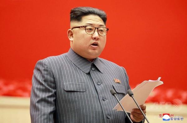 北朝鮮に追加制裁、安保理が決議案採択 石油供給制限など