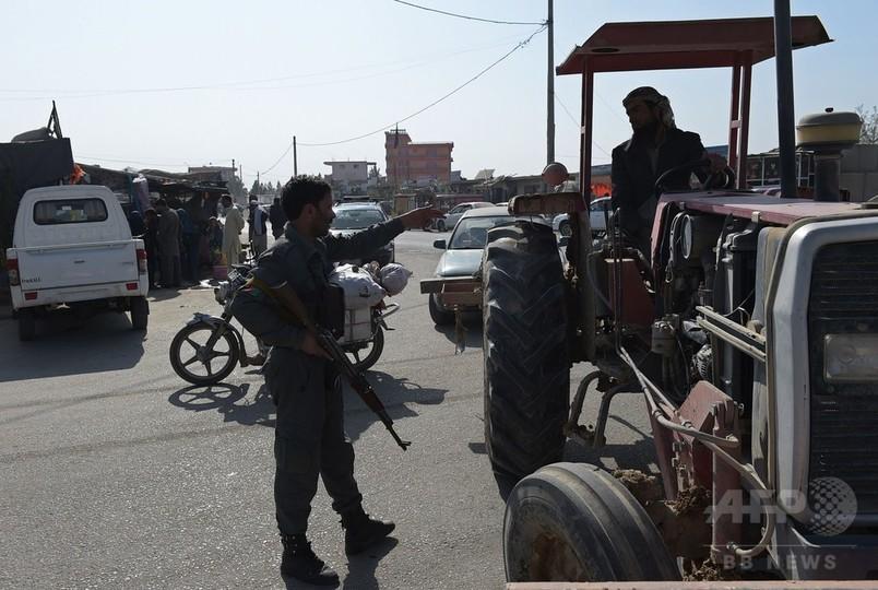 アフガン最大の米軍基地で爆発、少なくとも4人死亡 17人負傷
