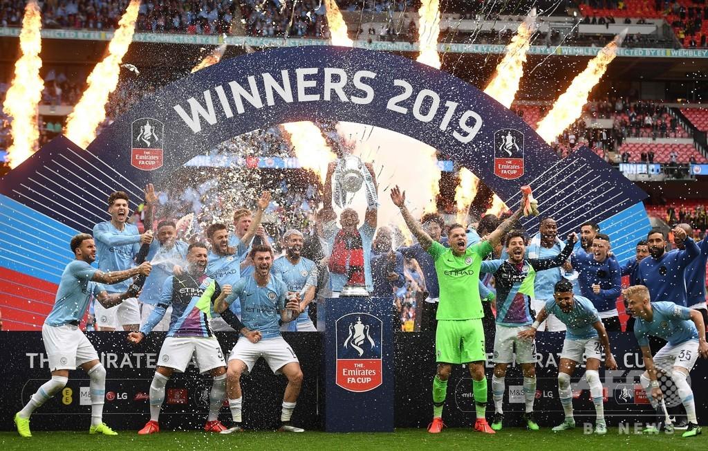 「CL制覇より困難」、FA杯6発大勝のマンCが史上初の英3冠