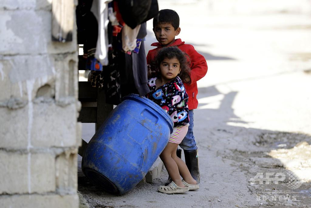 レバノン経済危機、年内に子ども餓死の恐れ 約90万人必需品買えず