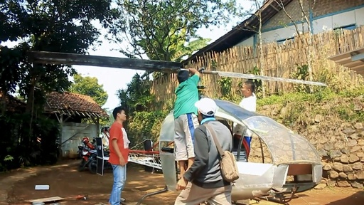 動画:渋滞にうんざり! インドネシア人男性、自力でヘリ製造を決意