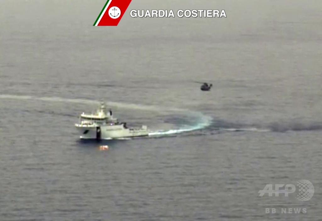 リビア沖の密航船転覆、死者は800人 UNHCR