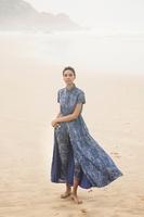 アフリカの女性職人による手織り布を使用、「バナナ・リパブリック」夏の限定コレクション