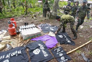 フィリピンのイスラム過激派、地元の伐採業者7人の首を切断し殺害