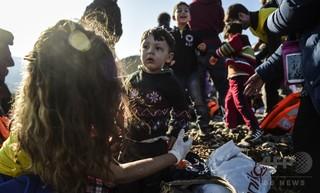 カナダ、年内にシリア難民2万5000人受け入れへ 報道