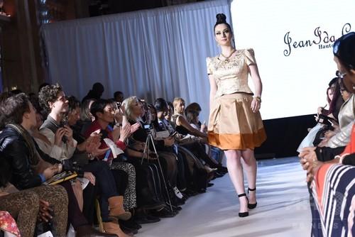 プラスサイズのファッションショー「パルプ ファッション・ウィーク」パリで開催