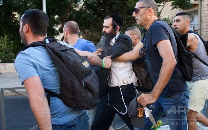 ゲイパレードでユダヤ教超正統派の男に襲われた10代女性が死亡、エルサレム