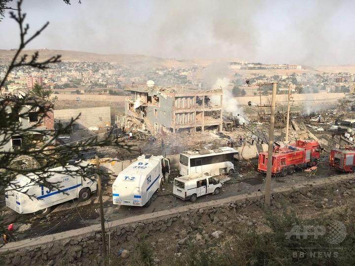 トルコ警察署に自爆攻撃、警官11人死亡 クルド組織が犯行声明