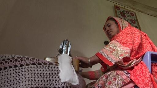 動画:「生理はタブー」を変える闘い、女性たちに使い捨てナプキンを