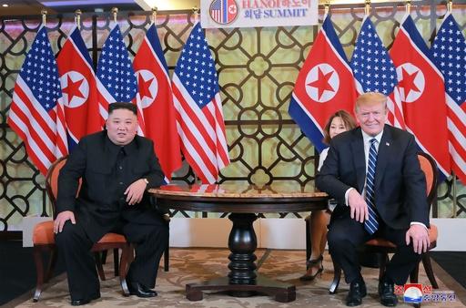 米韓の大規模演習終了、対北譲歩との見方を否定 トランプ氏