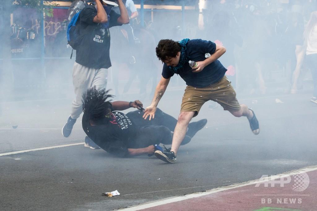 黒人男性死亡めぐるデモ、コロナ拡大再燃の恐れ 米国