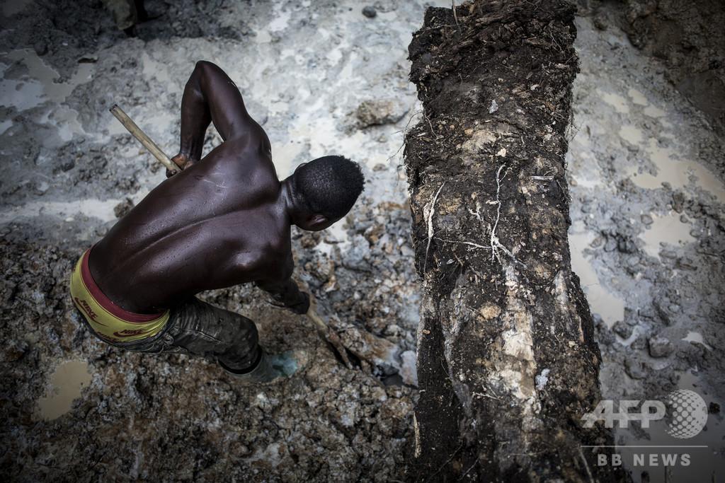 違法採掘で始まる金の供給連鎖 搾取される労働者たち コンゴ