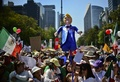 メキシコ各地で反トランプデモ 過去最大規模か
