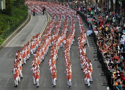 6万5000人で踊る「ポチョポチョ」でアジア大会アピール、インドネシア
