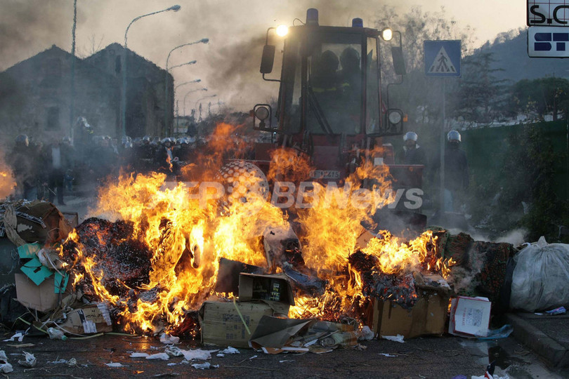 ナポリの未回収ごみ問題に見るマフィアのごみビジネスの現状