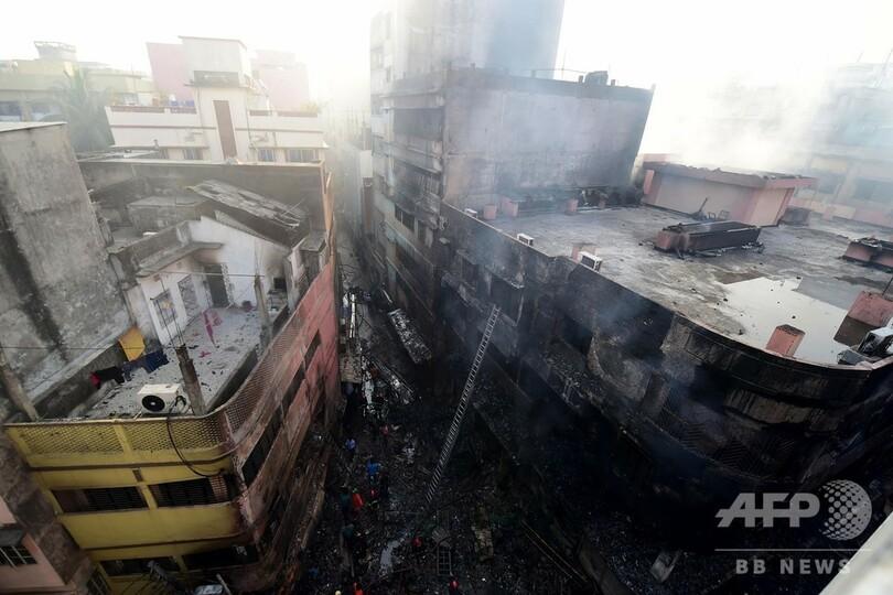 バングラデシュ首都で大規模火災、死者69人