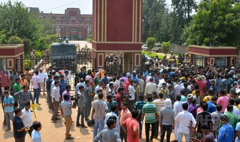 校内で性的暴行に抵抗した男児を職員が殺害 インド、保護者ら激怒