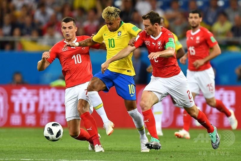 国際ニュース:AFPBB News【写真特集】カナリア軍団登場、ブラジル対スイス
