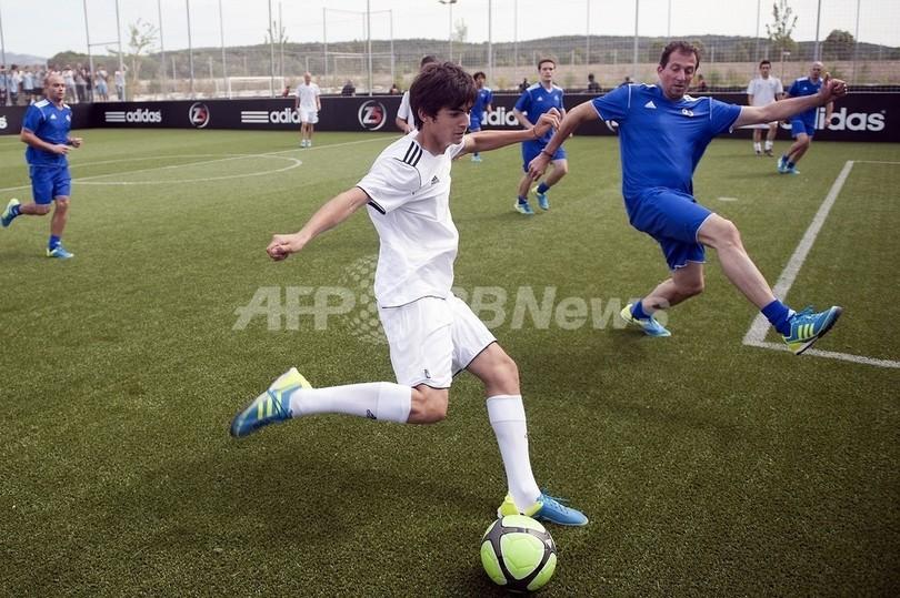 ジダン氏の長男、エンツォがレアル・マドリードのトップチームで練習