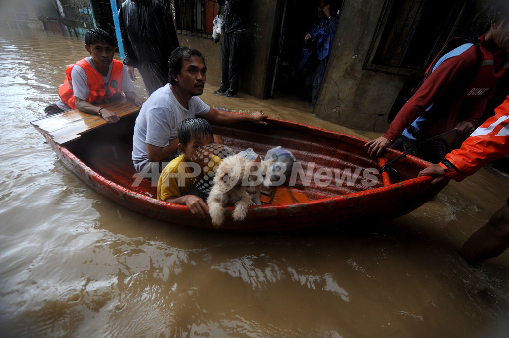 台風17号、フィリピンを直撃 7人死亡