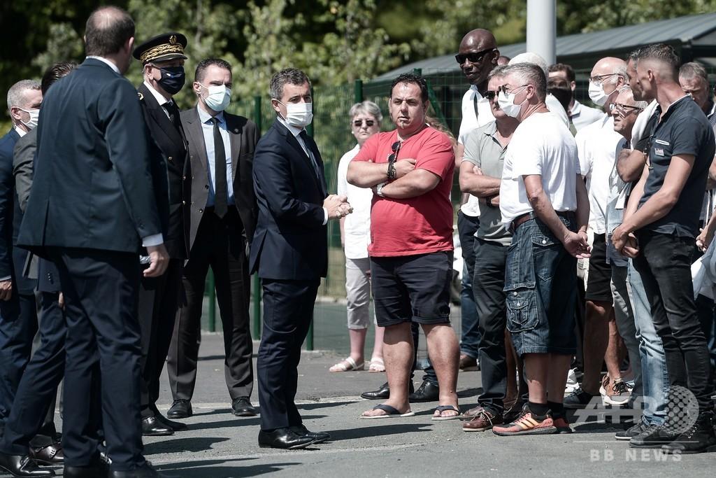 マスク着けない客の乗車を拒否した仏バス運転手が死亡 暴行受け脳死状態の後