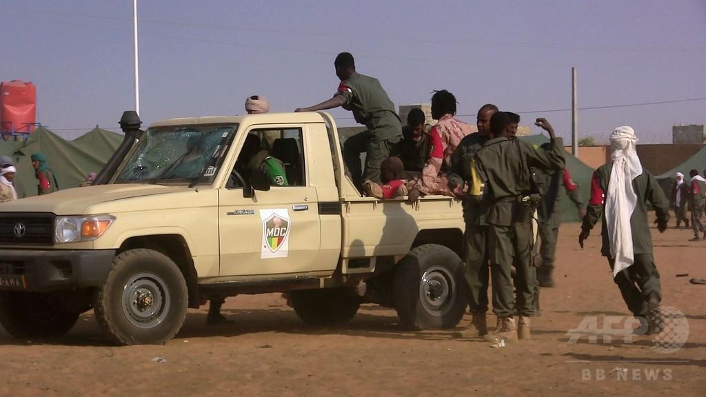 マリの基地に自爆攻撃、約50人死亡 アルカイダ系勢力が犯行声明