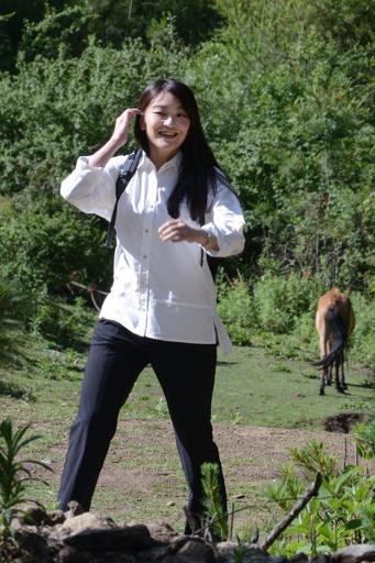 眞子さま、徒歩でブータンの僧院を訪問